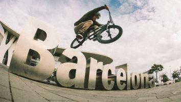 Van 'Damn!' does Barcelona
